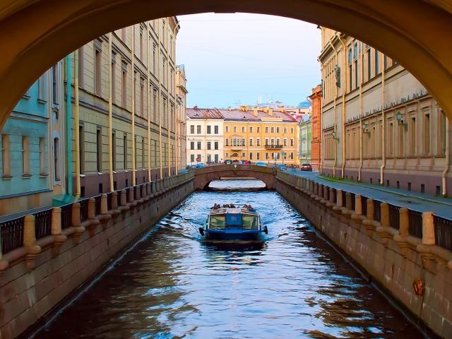 Свой Петербург