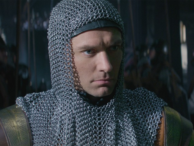 Премьера. Меч короля Артура